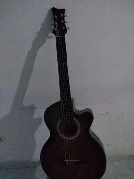 Se vende hermosa Guitarra Acustica