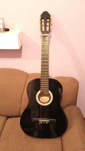 Vendo guitarra muy bonita por motivos de dinero :(