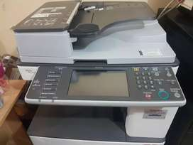 Copiadora impresora RICOH AFICIO MP3352