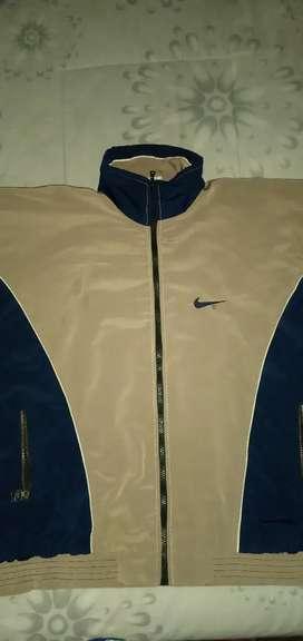 Campera Nike Retro