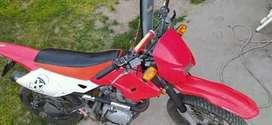 "Se vende moto ""motomel x3m"""