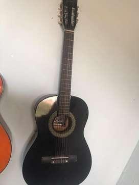 Guitarra mediana clasica