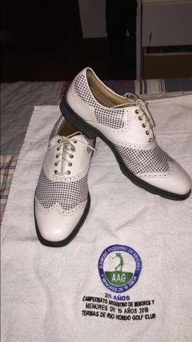 Zapatos de Golf Footjoy Icon- Usados