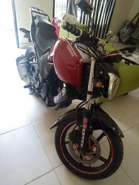 Se vende o se permuta moto FZ 16
