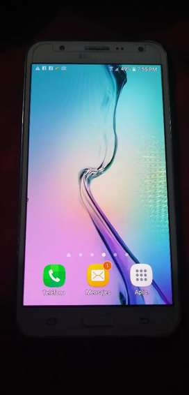 Se vende celular samsung j 7