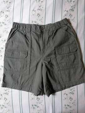 Pantaloneta bermuda americana
