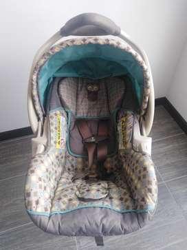 Silla de bebé para Auto Baby Trend, incluye base