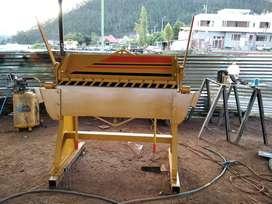 Dobladora de tool de 1.25Mts cap. 2 m.m. tipo niagra