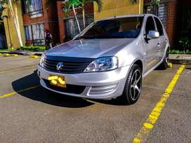 Espectacular Renault Logan 2014