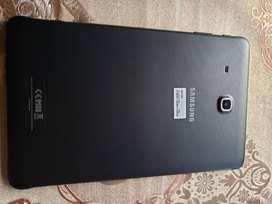 Samsung tab e 9.6 pulgadas mas estuche original como nueva