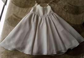Vestido para bautizo o pajesita color beige