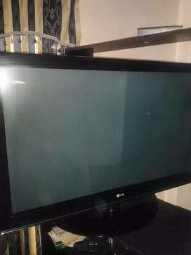 Tv LG 42 pulgadas perfecto esttado muy barato gangaso