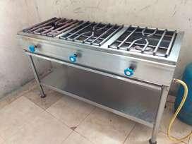 Vendo una cocina de Acero Inoxidable de tres quemadores