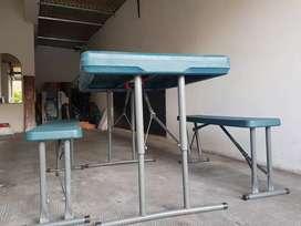 Mesa plastica con 2 bancos plegable reforzada MAKENNA nueva