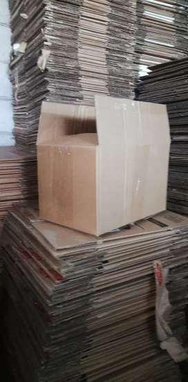 Cajas de cartón re utilizables en perfectas condiciones, puedes guardar, transportar y embalar lo que necesites