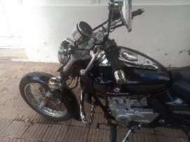 Bajaj Avenger impecable