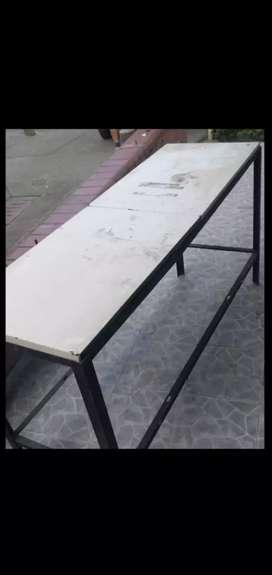 Mesa dos metros para trabajo acero