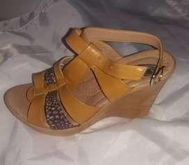 VENDO sandalia de mujer