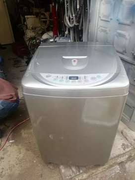 Vendo lavadora lg de 26 libras garantía de 6 meses