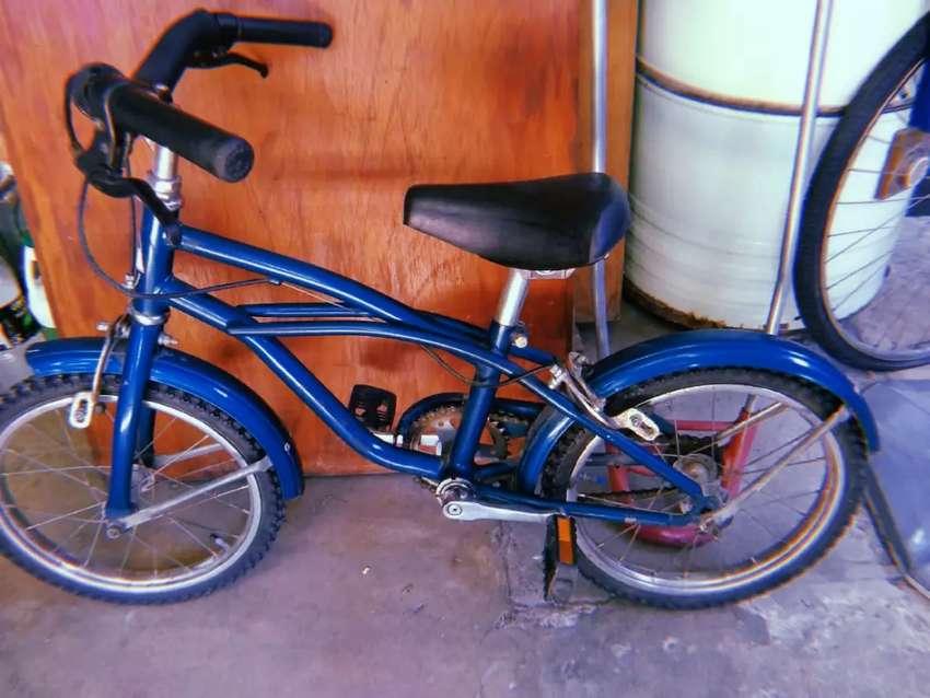 Bicicleta para nlño muy buen estado 0