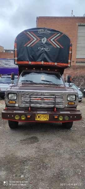 Dodge 100 estacas