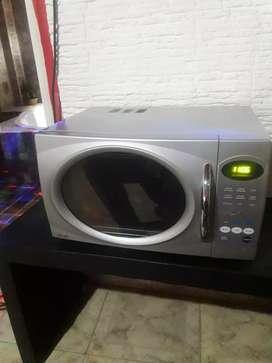 Vendo microondas digital BGH con grill