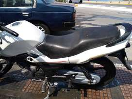 Ocacion moto suzuki 6 velocidades ningun tipo de multa por viaje