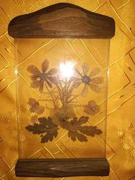 VENDO 12 ARTÍCULOS:  Cuadro flores seca Bariloche 25x14 cm $ 150/Jarra con tapa antigua diam 14 cm x 18 cm alto $ 300/Fu