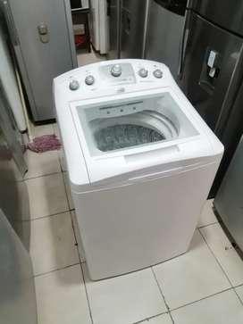 Lavadora 38 libras, de perilla, con molino corto, blanca
