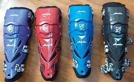 Rodilleras articuladas para motociclistas ARMIS