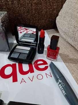 Perfume y maquillajes  avon