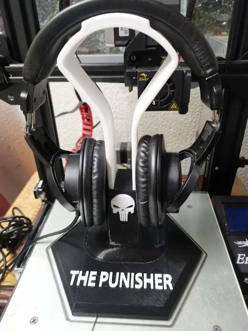 """Soporte para audifonos versión """"The punisher"""""""
