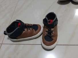 Zapatos marca ZARA niño