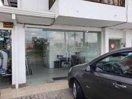 AL1036 Local de Renta en Cuenca, Sector Av. Unidad Nacional.