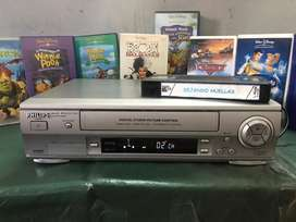 Videocasetera VHS Philip con peliculas
