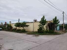 Casa-esquina en Barrio Manantial Sur