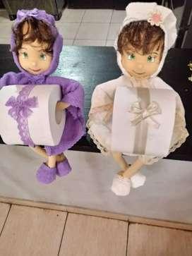 Muñecas con papel higiénico o servilletas