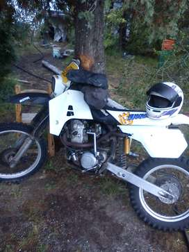 Vendo moto Husqvarna 510cc. mod. 89 rodada en el 92