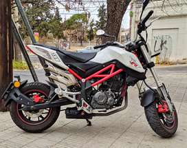 Moto BENELLI TNT 135 impecable!
