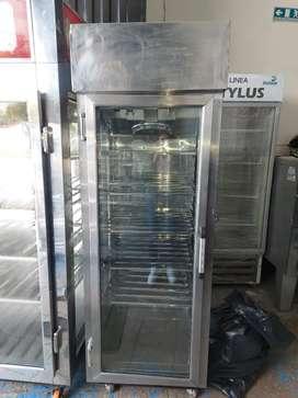 Nevera refrigeración tipo vitrina