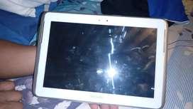 Vendo tablet Samsung se le safo el display y por eso no prende