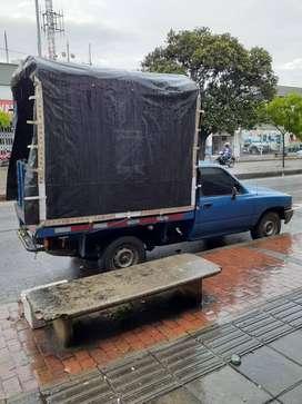 camioneta de estaca para su acarreo mudanza llamanos servicio 24/7
