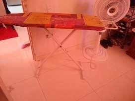 Vendo mesa de planchar en buen estado.