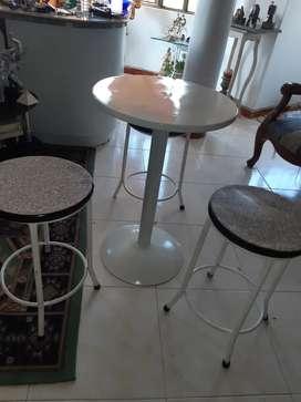 Mesa y sillas hogar hierro