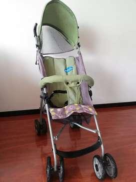 Paseador para bebé marca Evenflo