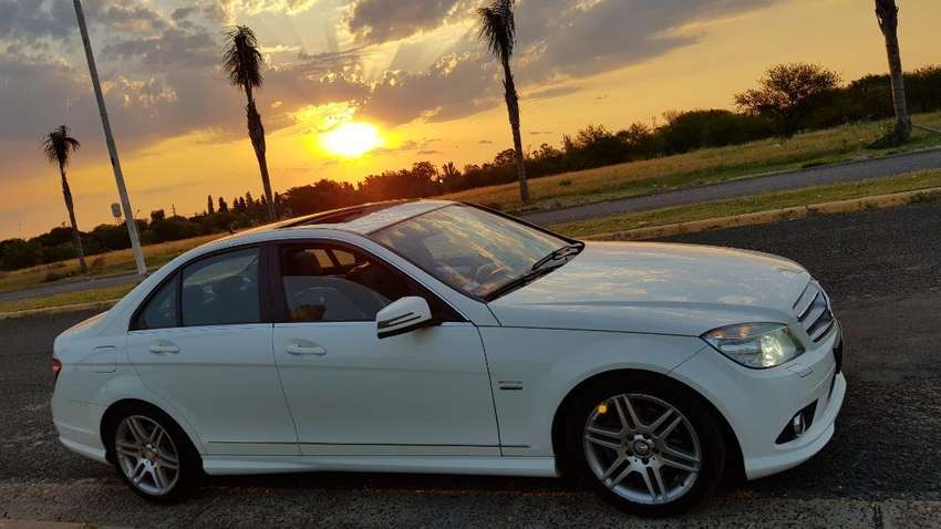 MERCEDES BENZ C250 SPORT AMG 2011 AUTOMATICO 80000KM REALES 0