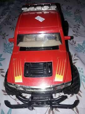 Se vende camioneta roja sin control