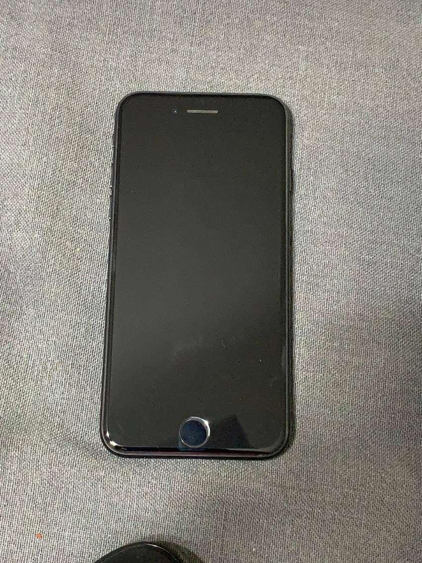 Iphone 7 32 gb,  Con cargador original y funda de REGALO, Usado 0