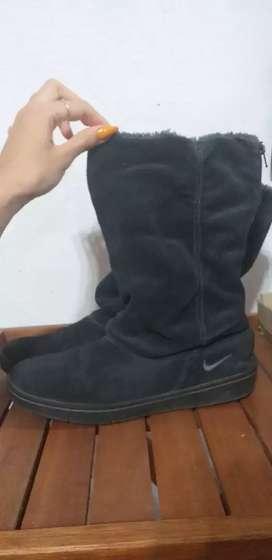 Botas Nike de gamuza
