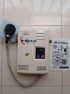 Calentador de agua eléctrico, ahorrador de energía, con capacidad para cuatro duchas. Fácil instalación